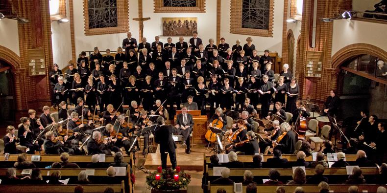 Das Orchester während einer Aufführung des Weihnachtsoratoriums von Bach im Dezember 2013 in der Pauluskirche Zehlendorf – Foto: J. Kandziora